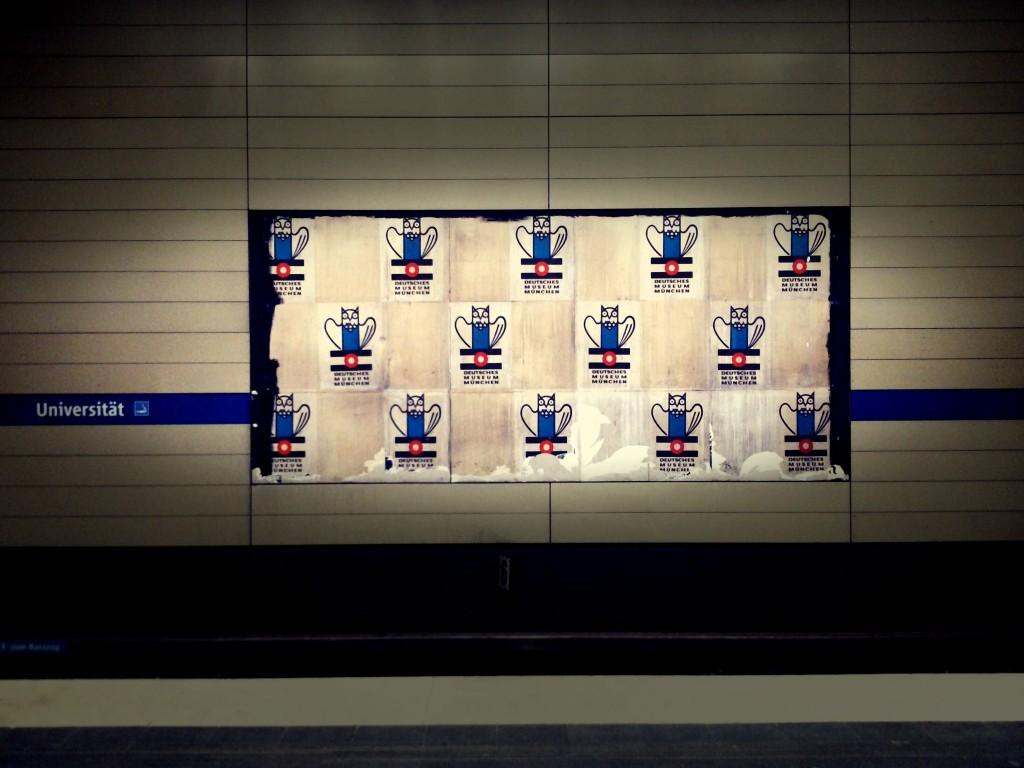 Universität U-Bahnsteig
